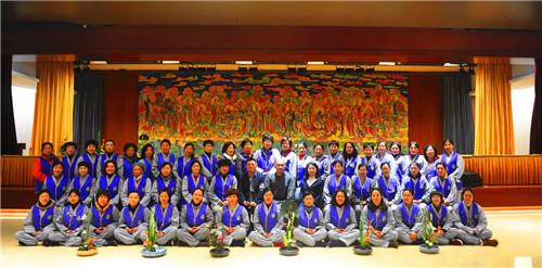 新闻|七塔禅寺举办首届佛前供花培训