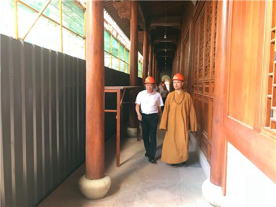 新闻|宁波市政协副主席陈安平考察七塔禅寺古建筑保养性维修情况