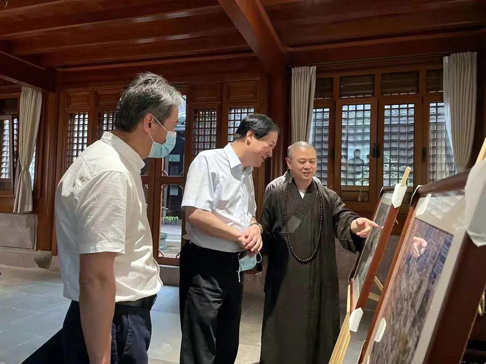 宁波市政协副主席高庆丰莅临七塔禅寺走访调研