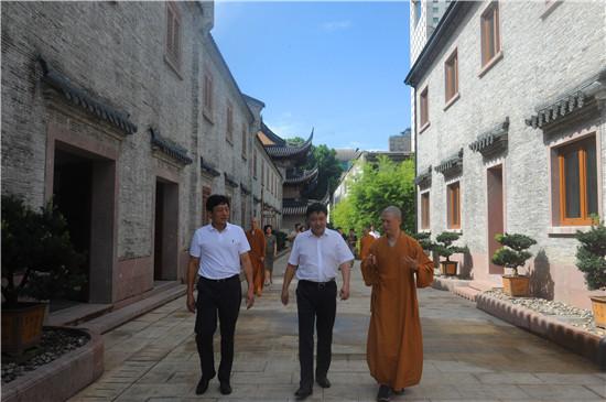 新闻|浙江省人大常委会副主任李卫宁一行调研七塔禅寺