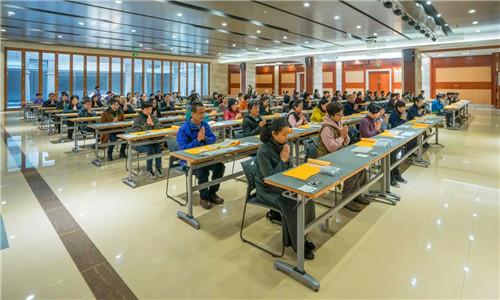 新闻|七塔禅寺举行首届抄经培训班