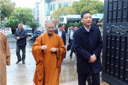 宁波市委统战部部长梁群等莅临七塔禅寺调研工作