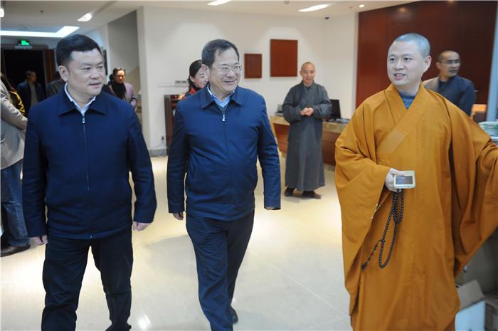 国宗局办公室主任陈红星等莅临七塔禅寺调研工作